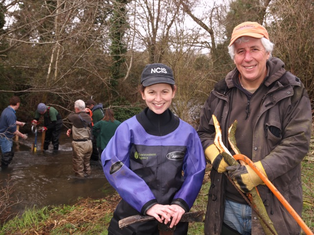 And yes I did get wet and dirty too but it was great to catch up with Karen Twine, formerly 'the barbel lady' from the Great Ouse monitoring project and now a hardworking Fisheries Officer in the West Thames region